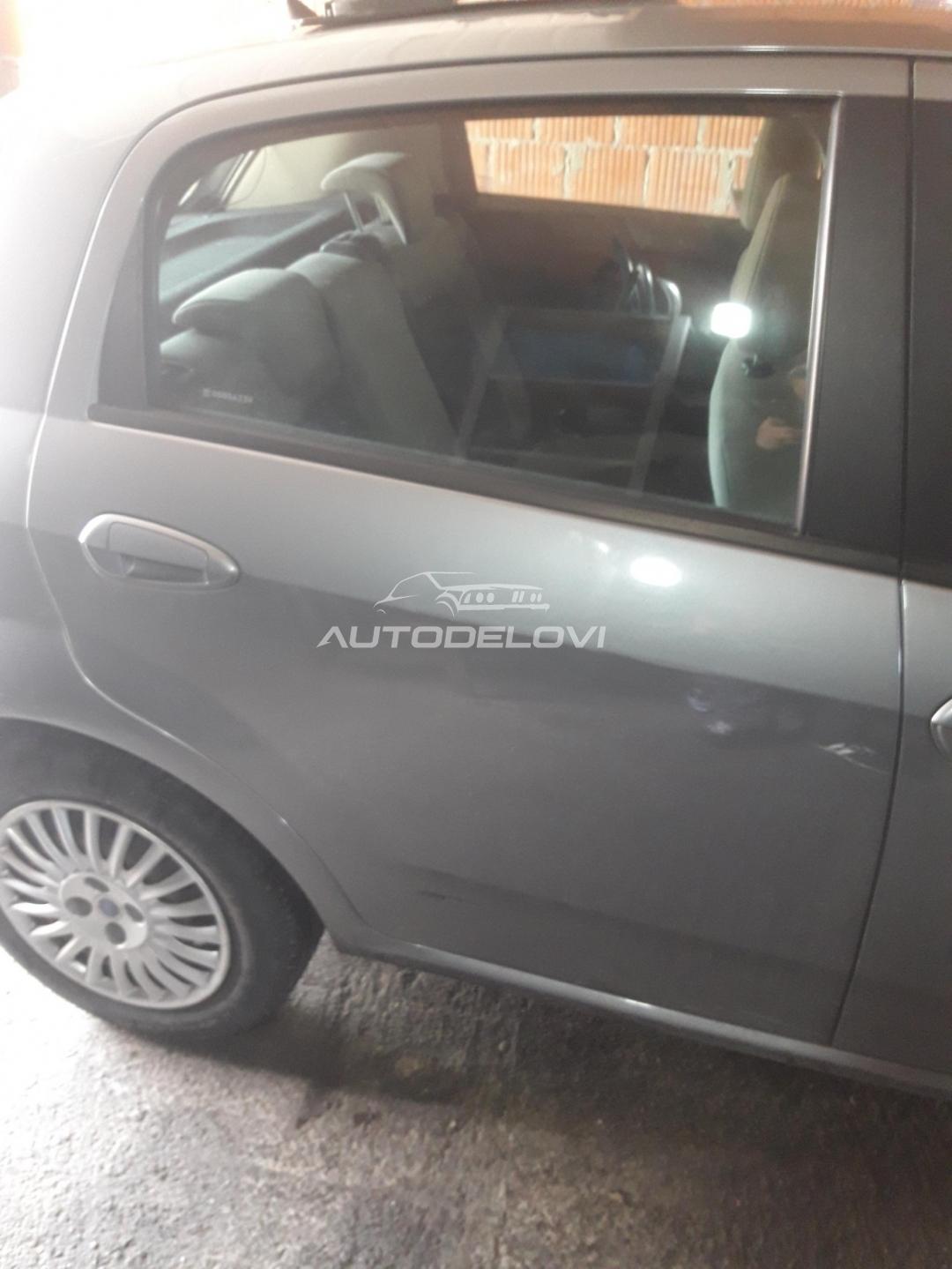 Fiat Grande Punto zadnja desna vrata siva