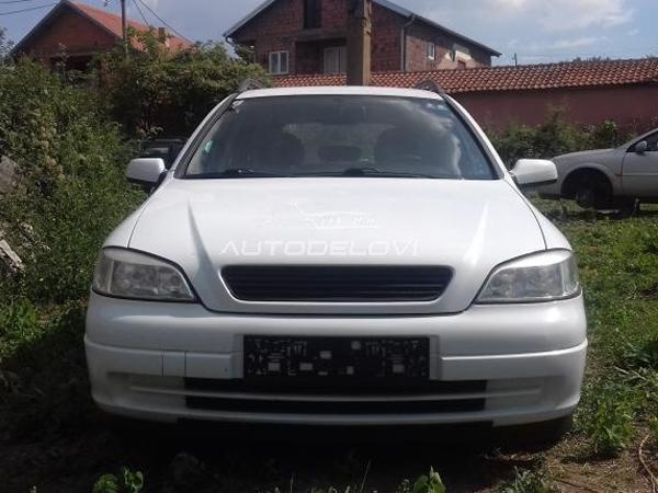 Opel Astra kompletan auto u delovima