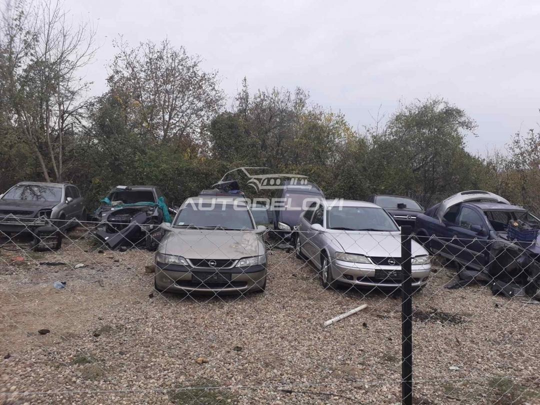 Opel Vectra B 1.6 16V Kompletan auto