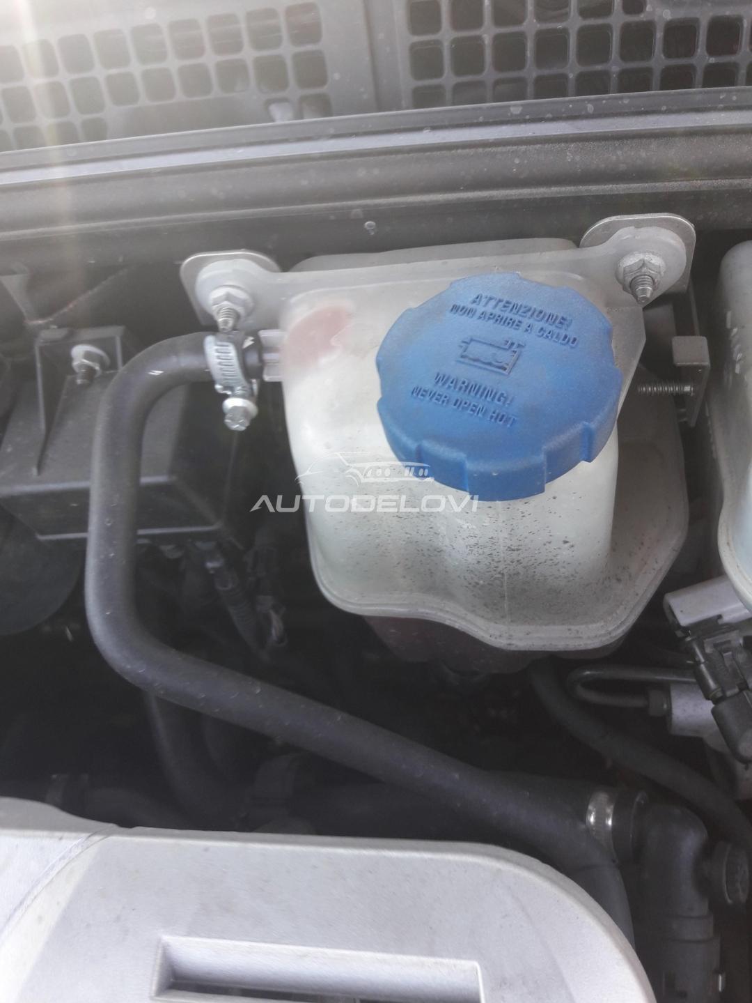 Alfa Romeo 159 1.9 m.jet posuda za antifriz