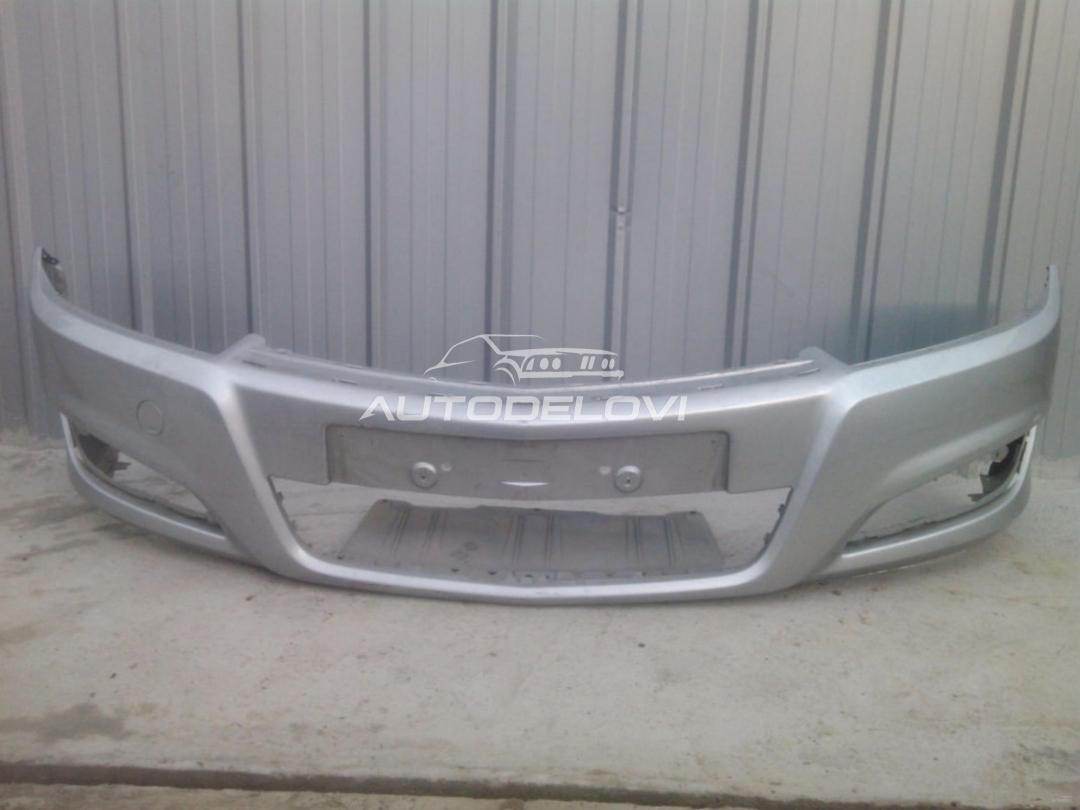 Opel Astra H prednji branik