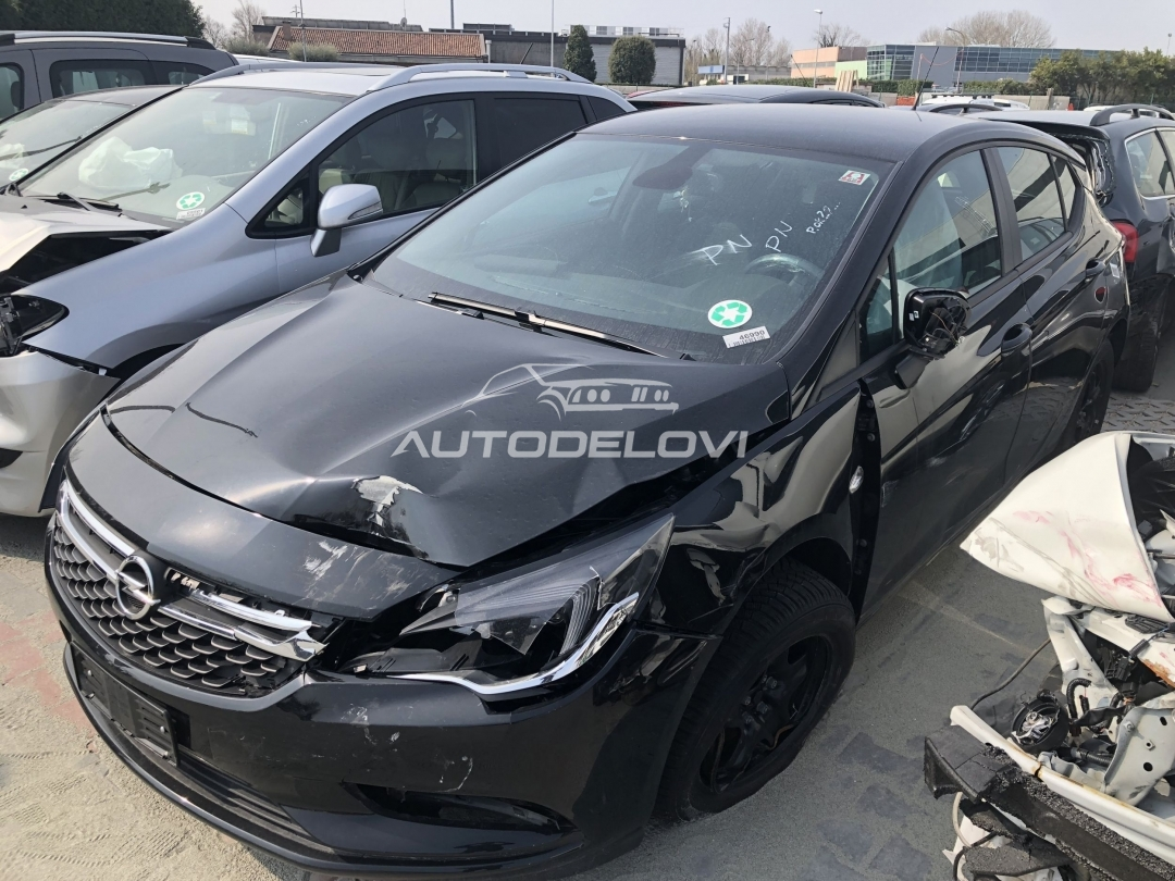 Opel Astra K 2018 - kompletan auto u delovima