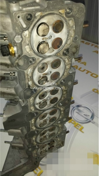 Bmw 3.0d glava motora