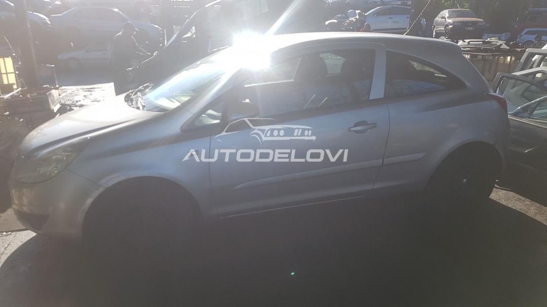 Corsa D 1.2 twinport Polovni Delovi