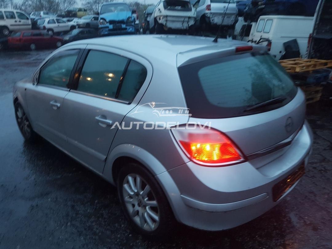 Opel Astra H 1,6 Twinport Delovi
